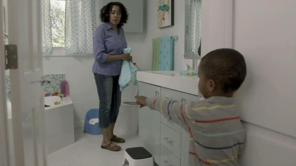 clorox-bathroom-surprise-large-8